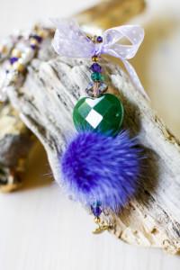 Herzanhänger mit gefärbter Jade